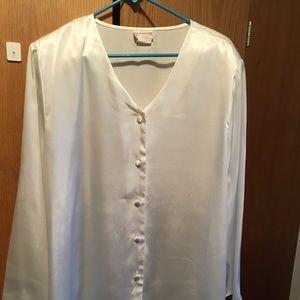 Ivory satin tunic style blouse. Size 20W